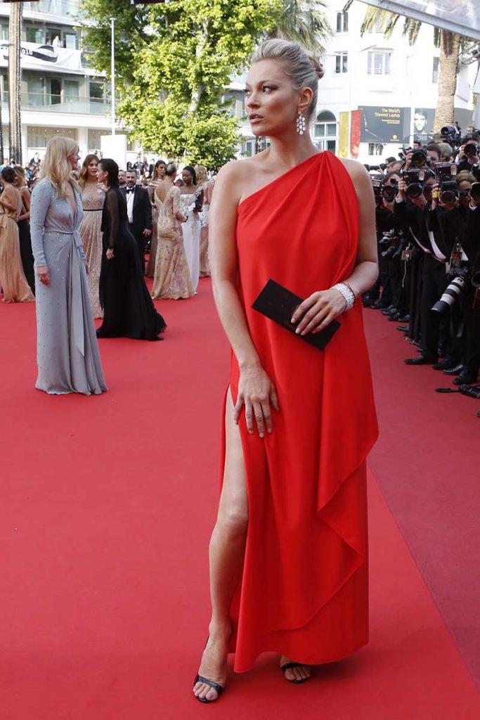 Kate Moss de Halston con joyas de Chopard